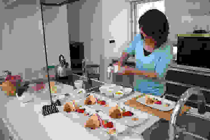 デザートづくり モダンな キッチン の atelier m モダン