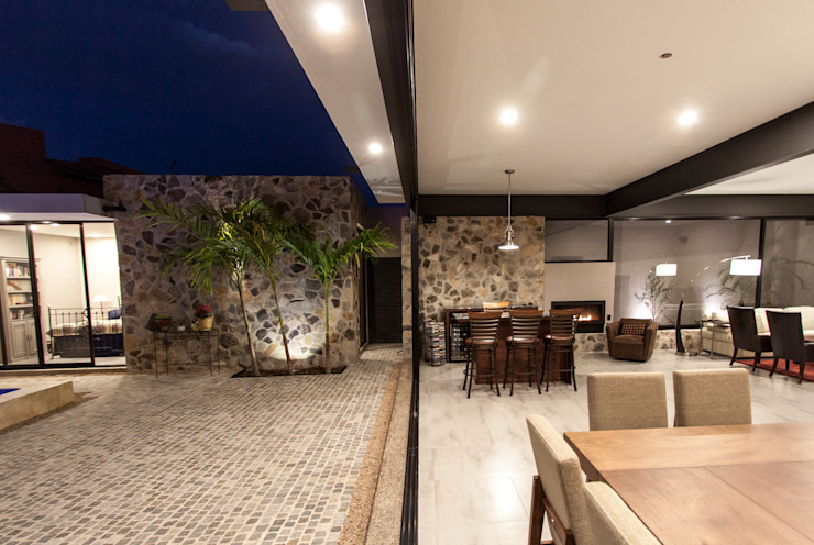 Terrace by Cambio De Plano , Modern
