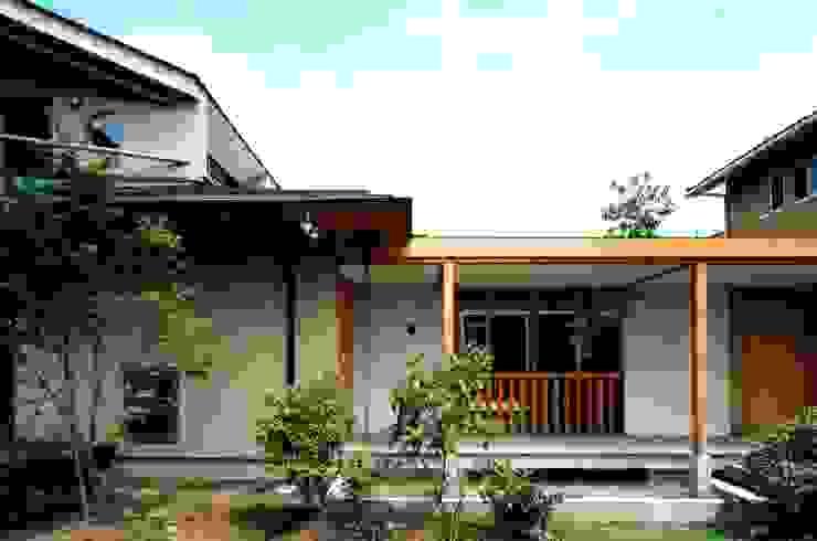 池と橋 オリジナルな 家 の 有限会社加々美明建築設計室 オリジナル 石灰岩