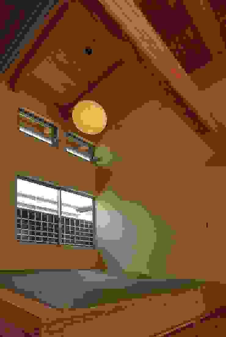 和室 モダンデザインの 多目的室 の 原 空間工作所 HARA Urban Space Factory モダン