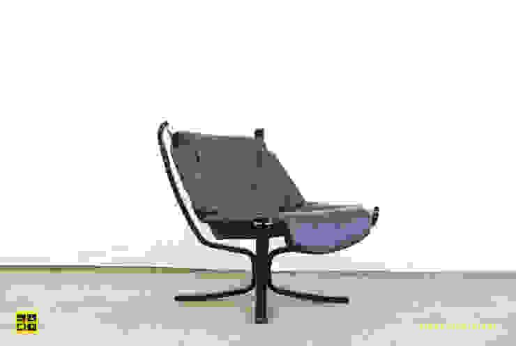 Falcon chair / Sigurd Ressell / Norwegian / 70's:  Woonkamer door De gele etalage,