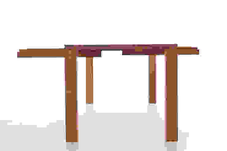 por ambion - Manufaktur für Einzelmöbel Minimalista Madeira maciça Multicolor