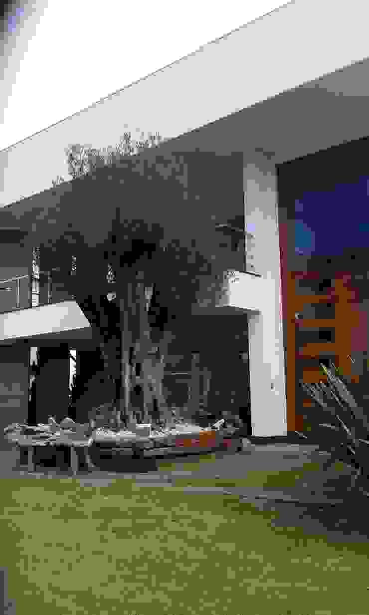 Condomínio dos Bosques – Atlântida Casas modernas por Eliane Fanti Arquitetura Moderno