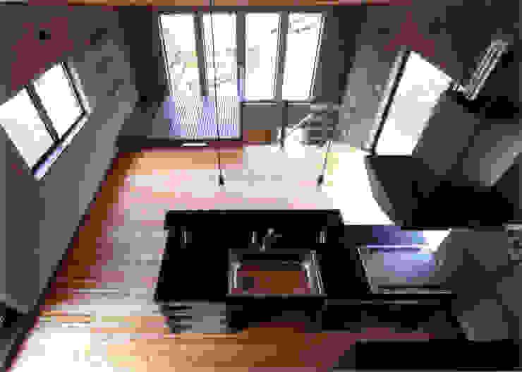 ロフトからの見下ろし オリジナルデザインの ダイニング の 豊田空間デザイン室 一級建築士事務所 オリジナル 磁器