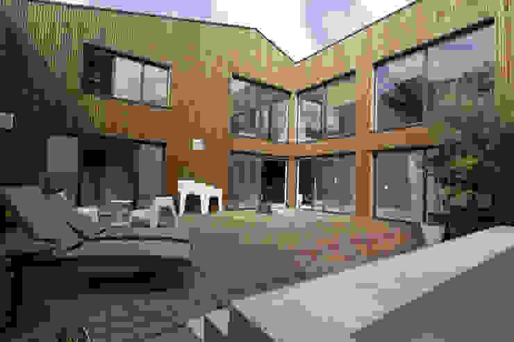 LOFT BORDEAUX Balcon, Veranda & Terrasse modernes par ATELIER ARTEFAKT Moderne