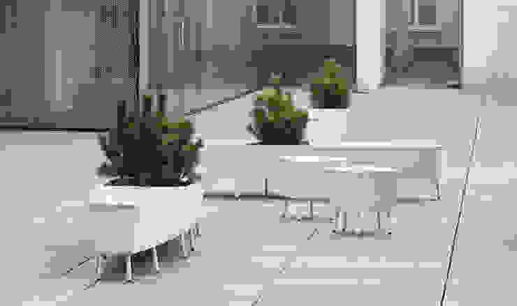 modern  by Vue Jardin, Modern Aluminium/Zinc