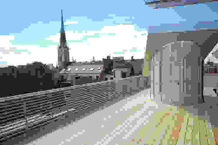 loft conversion, 1180 vienna Hiên, sân thượng phong cách hiện đại bởi allmermacke Hiện đại Gỗ Wood effect