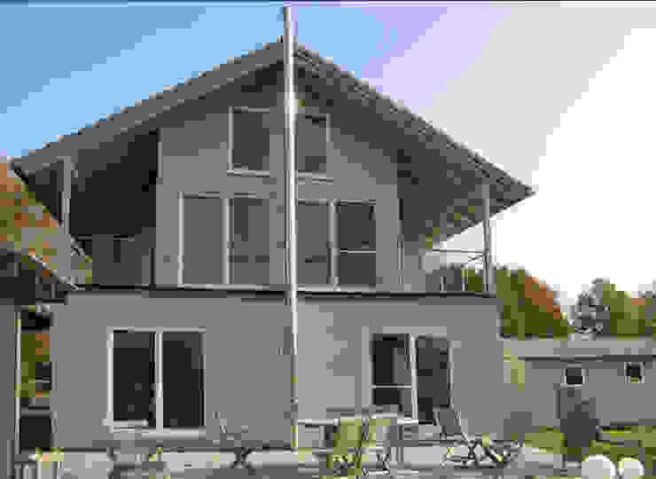 Cousin Architekt - Ökotekt Rumah Gaya Country
