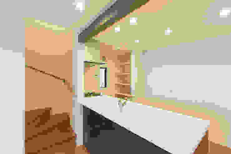 キッチン モダンな キッチン の 秦野浩司建築設計事務所 モダン