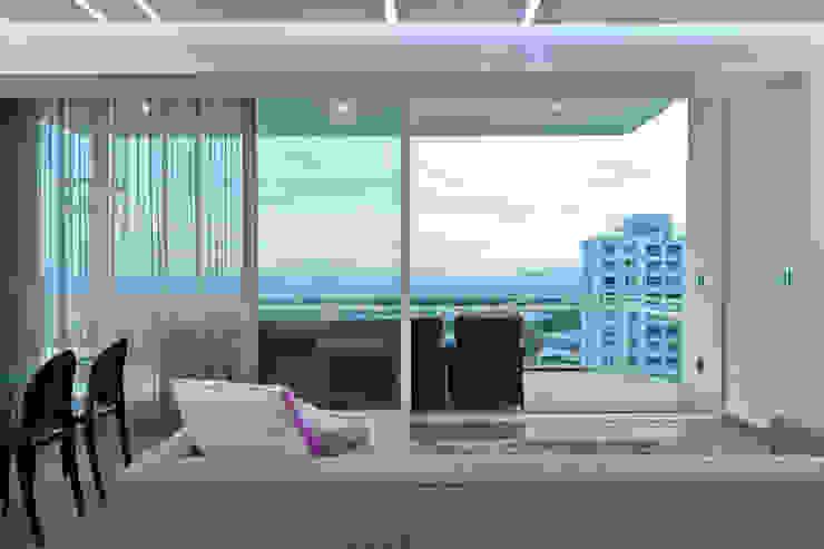 DEPARTAMENTO EN CUERNAVACA Balcones y terrazas modernos de HO arquitectura de interiores Moderno