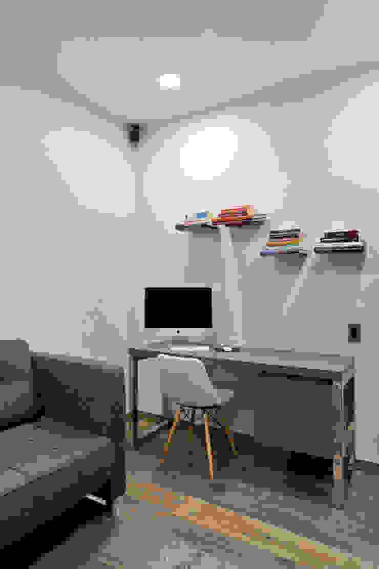 DEPARTAMENTO EN CUERNAVACA Estudios y despachos modernos de HO arquitectura de interiores Moderno