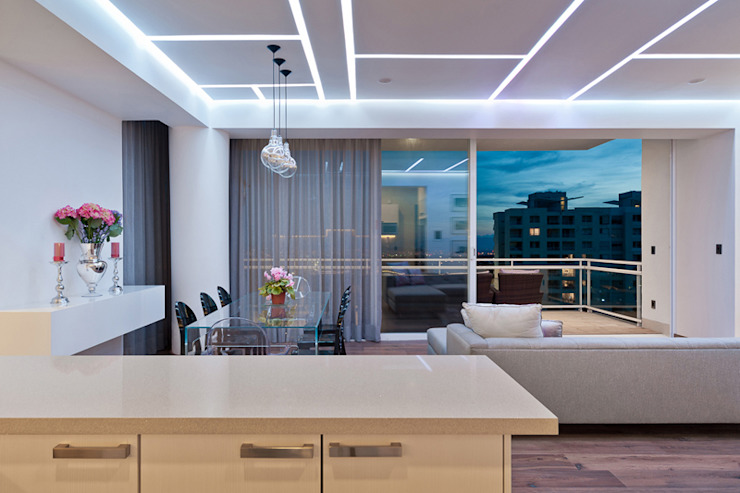 Modern balcony, veranda & terrace by HO arquitectura de interiores Modern