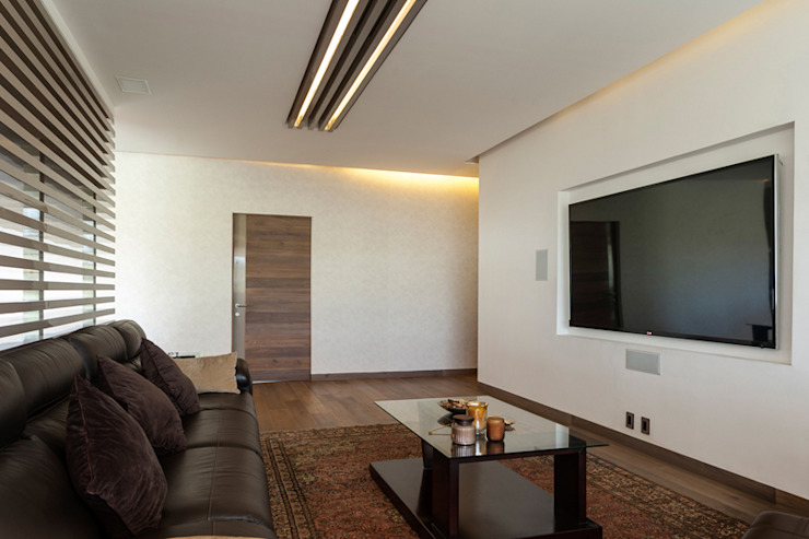 Modern media room by HO arquitectura de interiores Modern