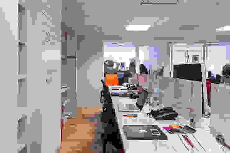 OFICINAS HOT SAUCE, POLANCO DF. de HO arquitectura de interiores Moderno