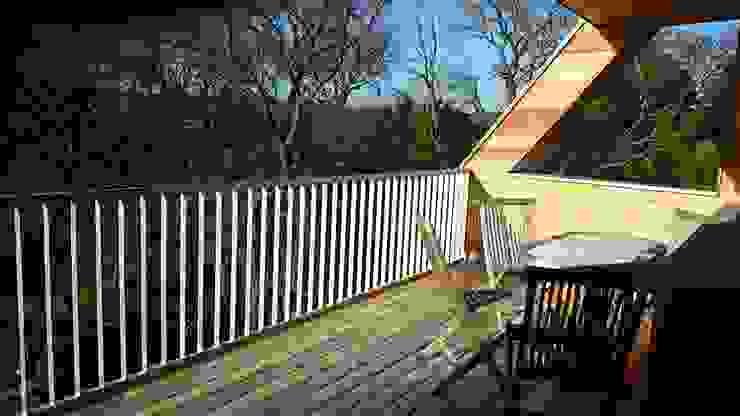 Symbios Architektur Balcon, Veranda & Terrasse modernes Bois