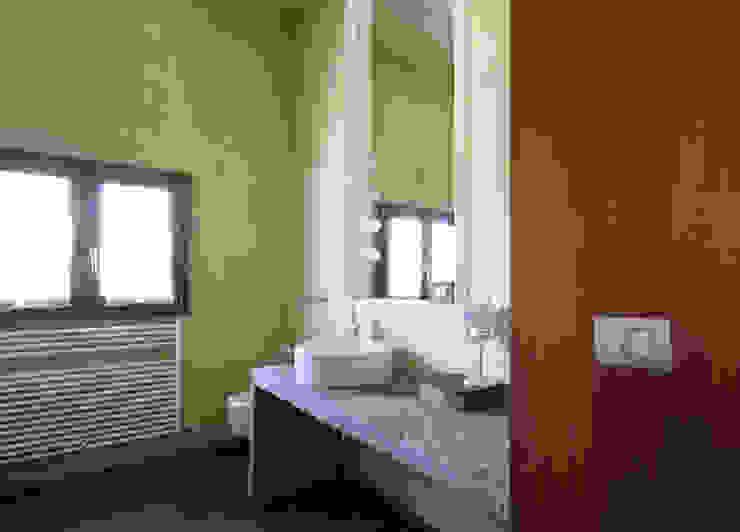 ARCHITETTO FRANCA DE GIULI Salle de bain rurale