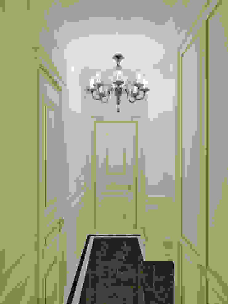 Симуков Святослав частный дизайнер интерьера Ingresso, Corridoio & Scale in stile classico Bianco