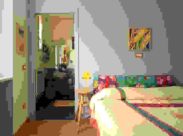CASA DI SILVIA Camera da letto moderna di ARCHITETTO FRANCA DE GIULI Moderno