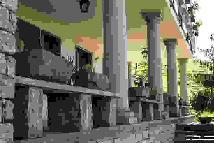 Ramella Alessandro snc Classic style balcony, veranda & terrace