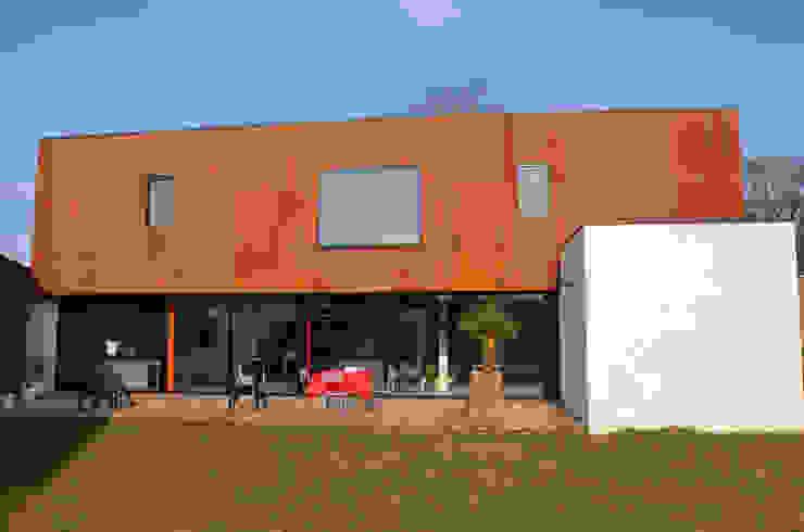 Modern Houses by C+BO Modern