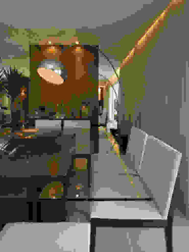 Sala de Jantar Salas de jantar clássicas por Carolina Ouro Arquitetura Clássico
