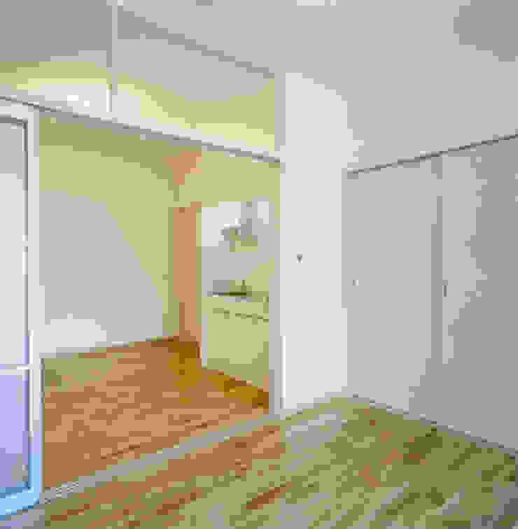 住戸G(1LDK) モダンスタイルの寝室 の あお建築設計 モダン 木 木目調