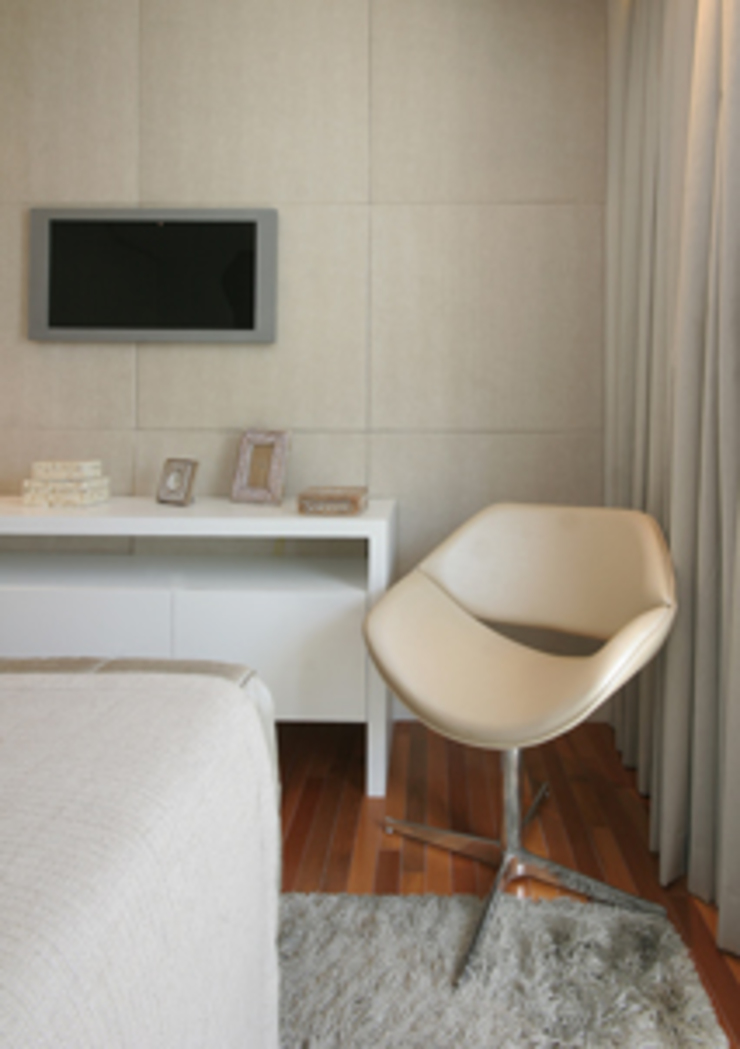 Apartamento residencial – Ed. Lumina Parque Clube Quartos clássicos por Carolina Ouro Arquitetura Clássico