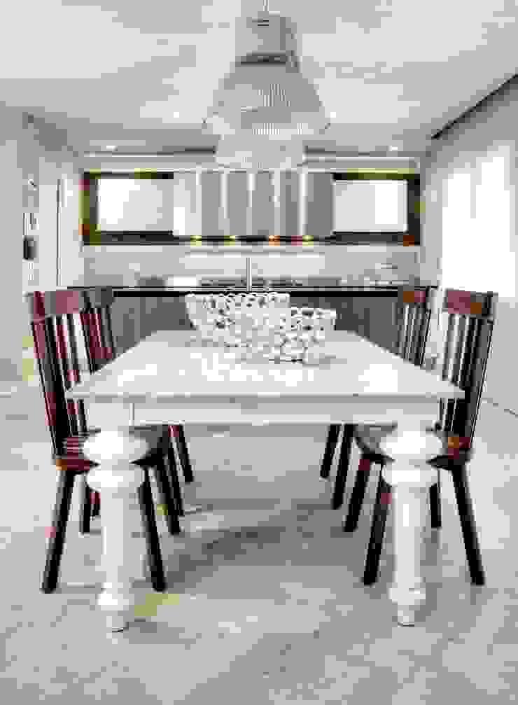 Ernesto Fusco Cocinas de estilo moderno Madera Beige