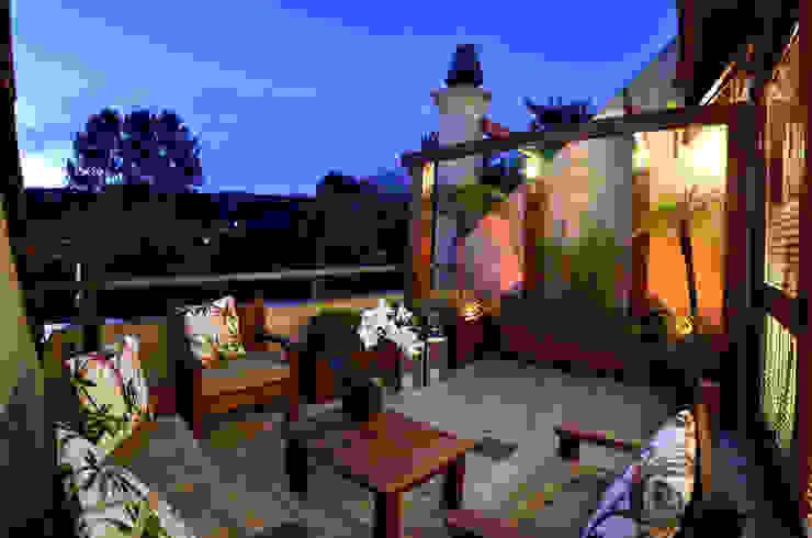 Terraço | Varanda Varandas, marquises e terraços rústicos por Stúdio Márcio Verza Rústico