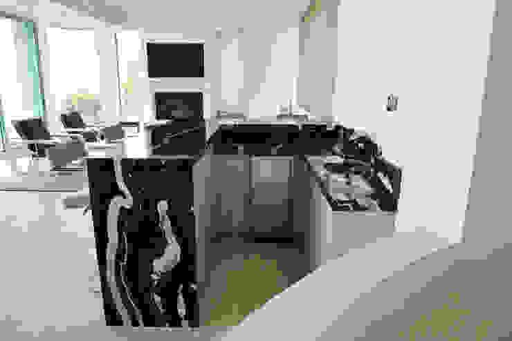 Malibu Decor by Erika Winters Inc. Design Salones modernos de Erika Winters® Design Moderno