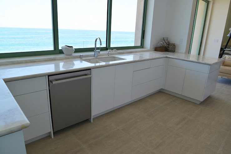 Malibu Decor by Erika Winters Inc. Design Cocinas modernas de Erika Winters® Design Moderno