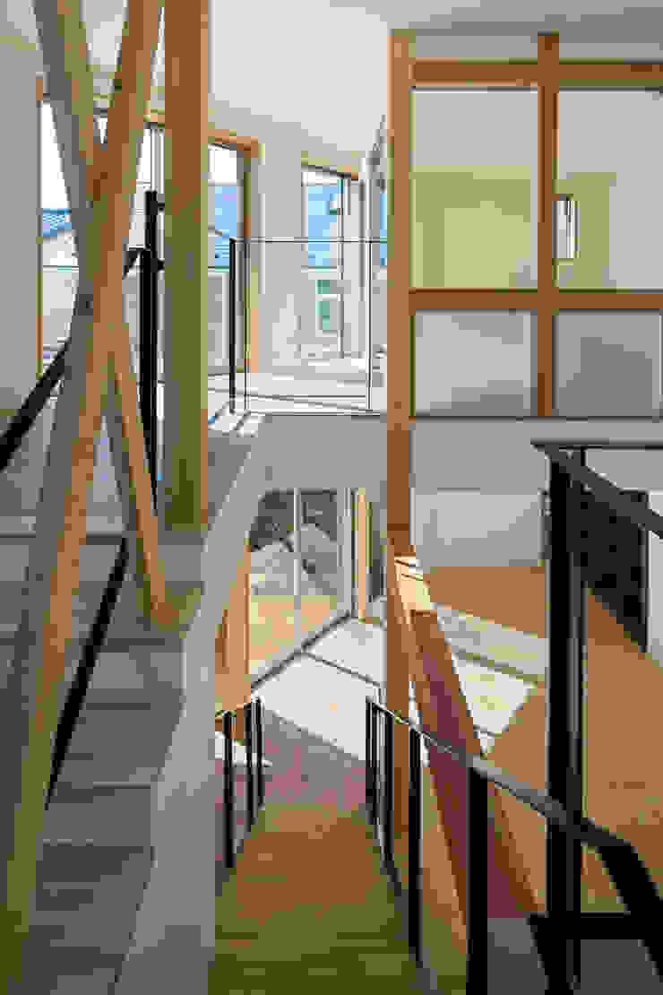 大岡山の家 北欧デザインの 多目的室 の (有)伊藤道代建築設計事務所 北欧 無垢材 多色