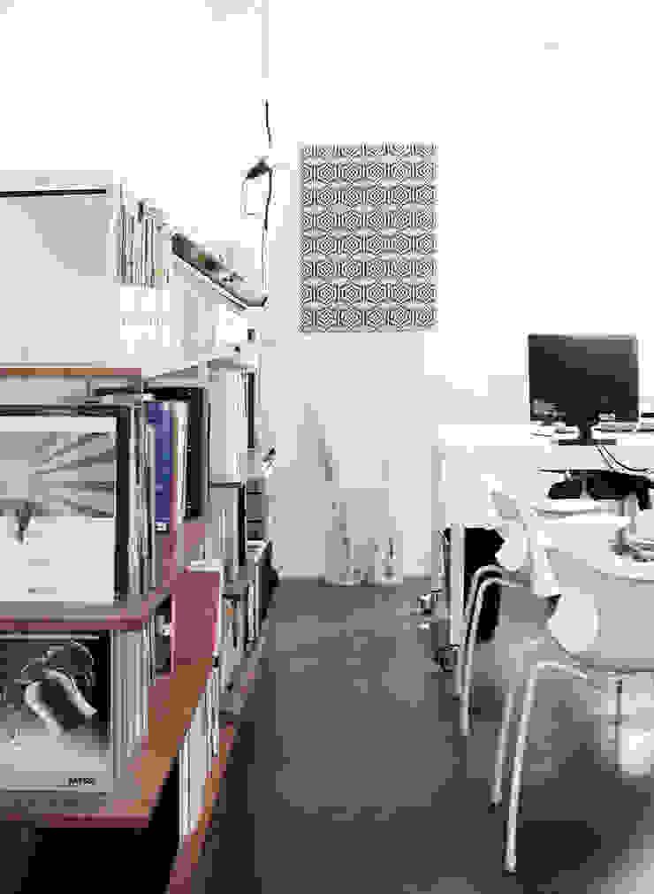 Bureau minimaliste par na3 - studio di architettura Minimaliste Caoutchouc