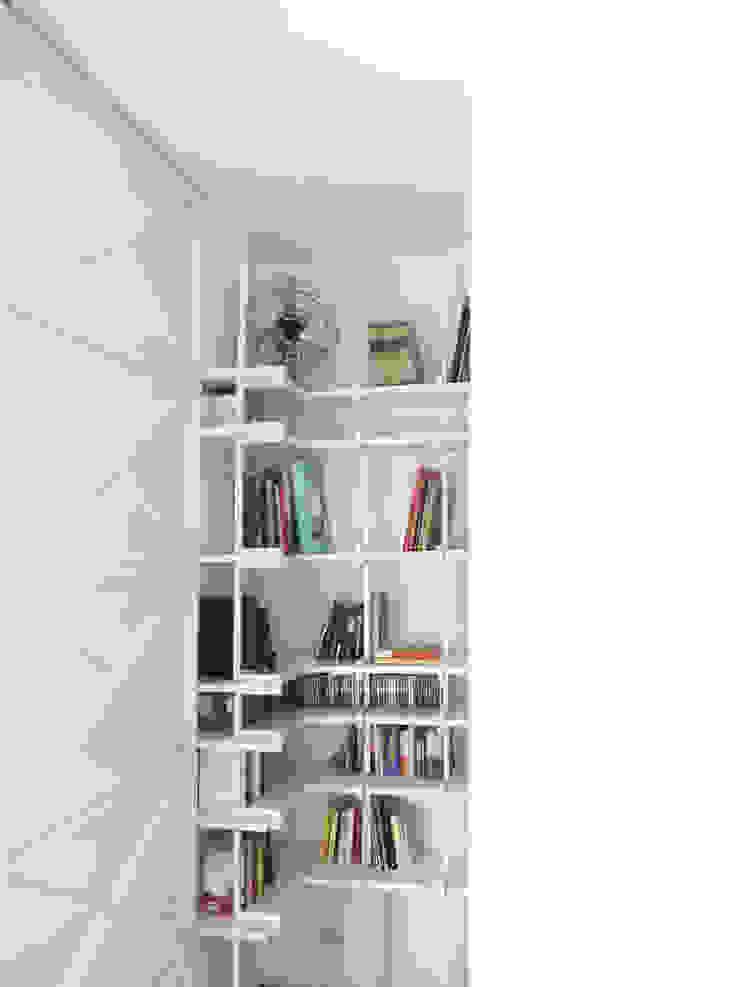 Chambre minimaliste par na3 - studio di architettura Minimaliste Fer / Acier