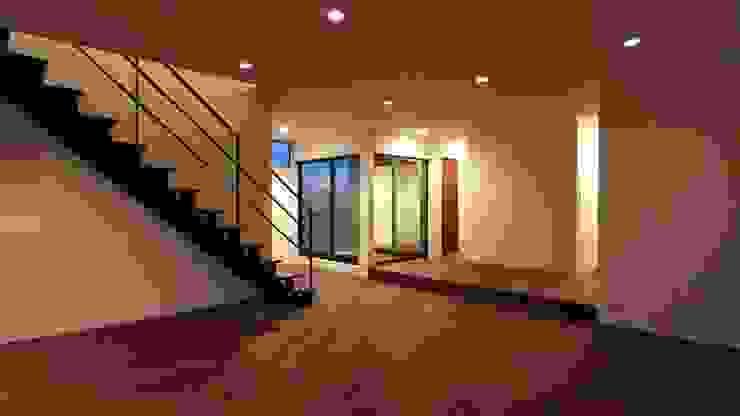 中庭の存在. モダンな庭 の 宮城雅子建築設計事務所 miyagi masako architect design office , kodomocafe モダン