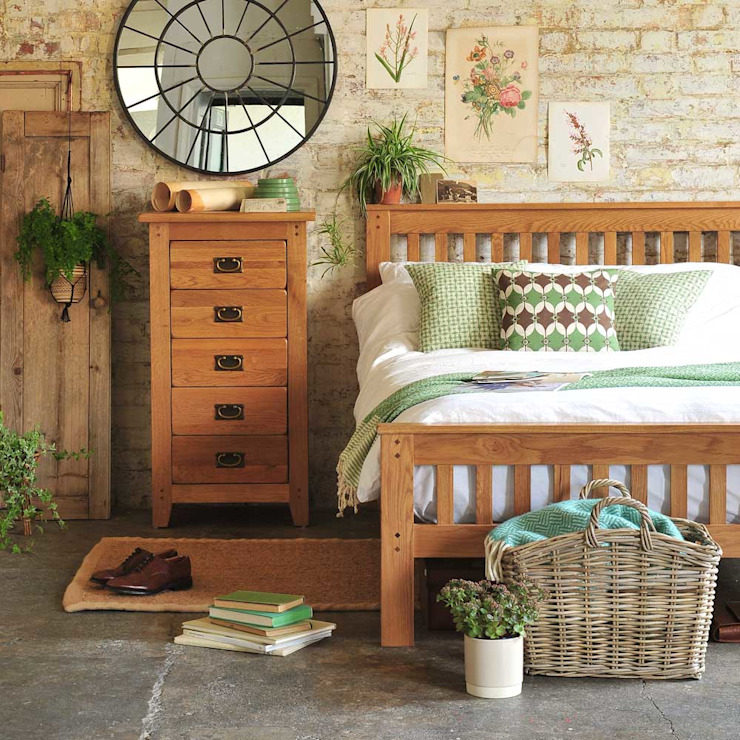 Oakland Bedroom Collection Camera da letto rurale di The Cotswold Company Rurale Legno Effetto legno