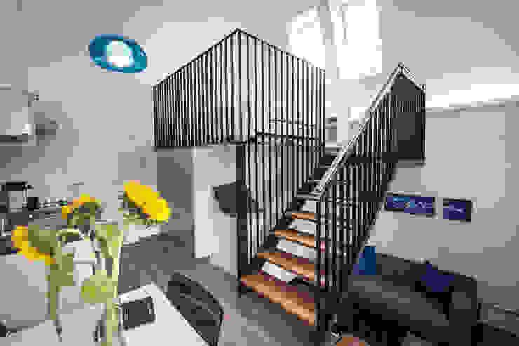 Nowoczesna sypialnia od Florian Schober Architektur ZT Nowoczesny