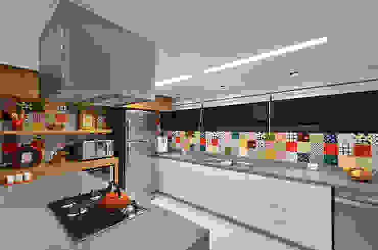 Floresta Cozinhas modernas por Estela Andreazza arquitetura +interiores Moderno