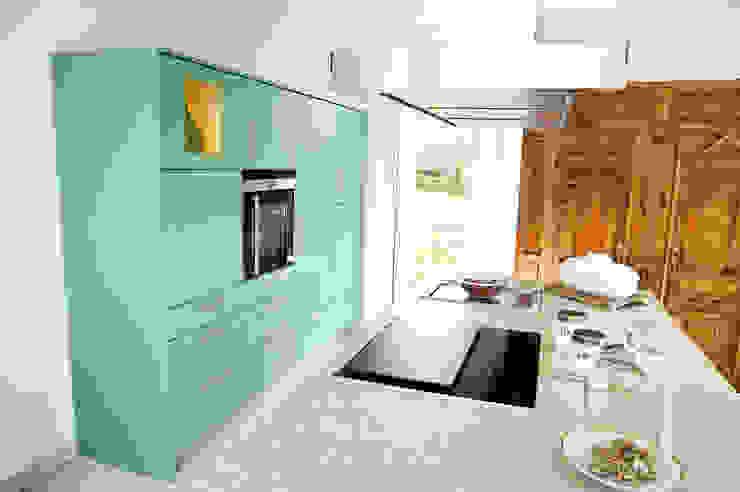 Modern style kitchen by Schreinerei Mayle Modern