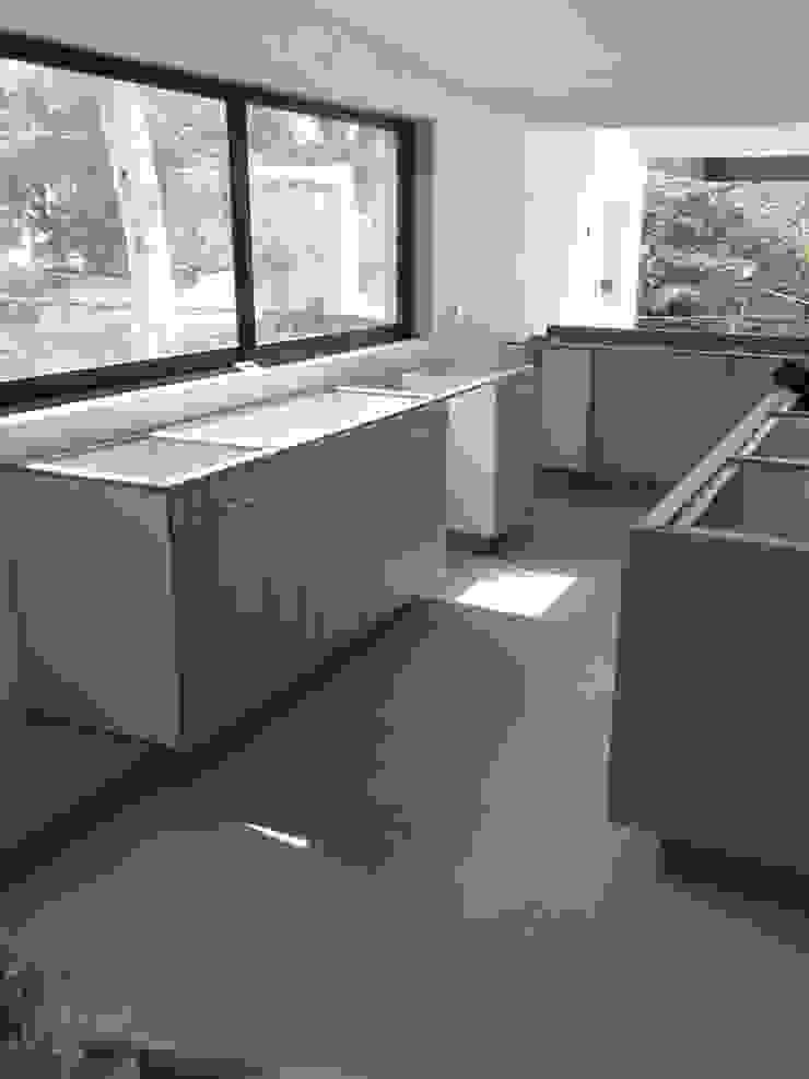 Remodelación de casa en Cuernavaca, Morelos Cocinas modernas de HO arquitectura de interiores Moderno