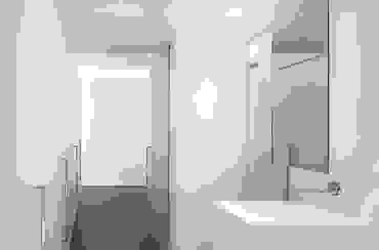 Residenza Privata - Bagno Bagno minimalista di Reggiani SPA Illuminazione Minimalista Marmo