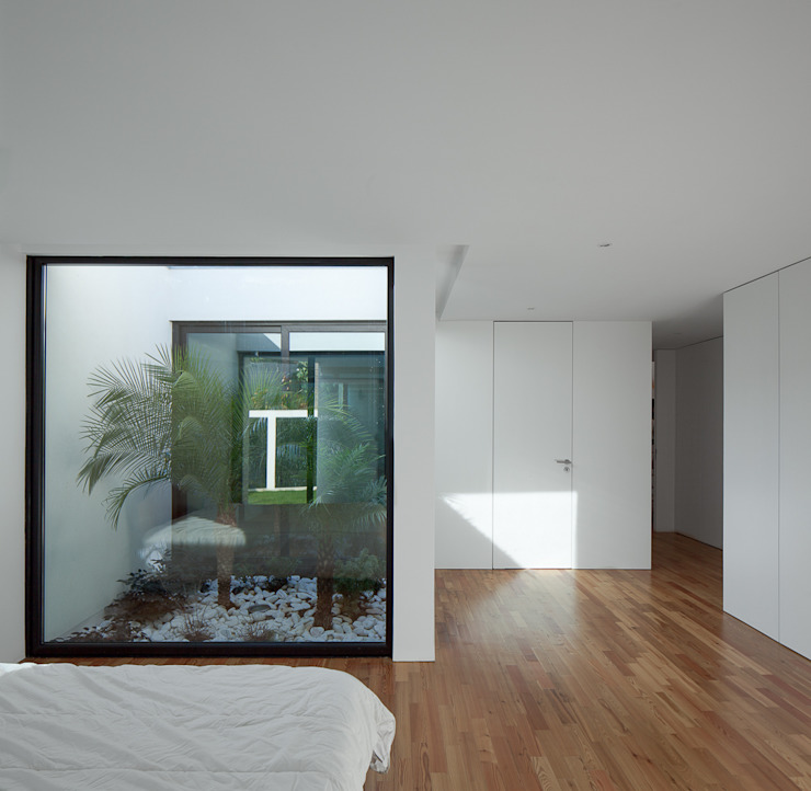 Bedroom by PEDROHENRIQUE|ARQUITETO,