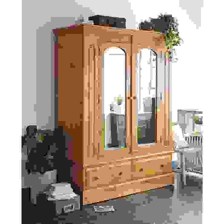 Windsor Pine Double Wardrobe with Mirrors Dormitorios rurales de The Cotswold Company Rural Madera Acabado en madera