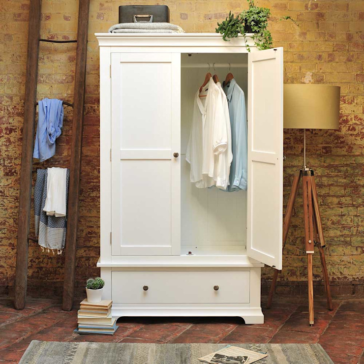 Chantilly White Double Wardrobe Dormitorios de estilo rural de The Cotswold Company Rural Madera Acabado en madera