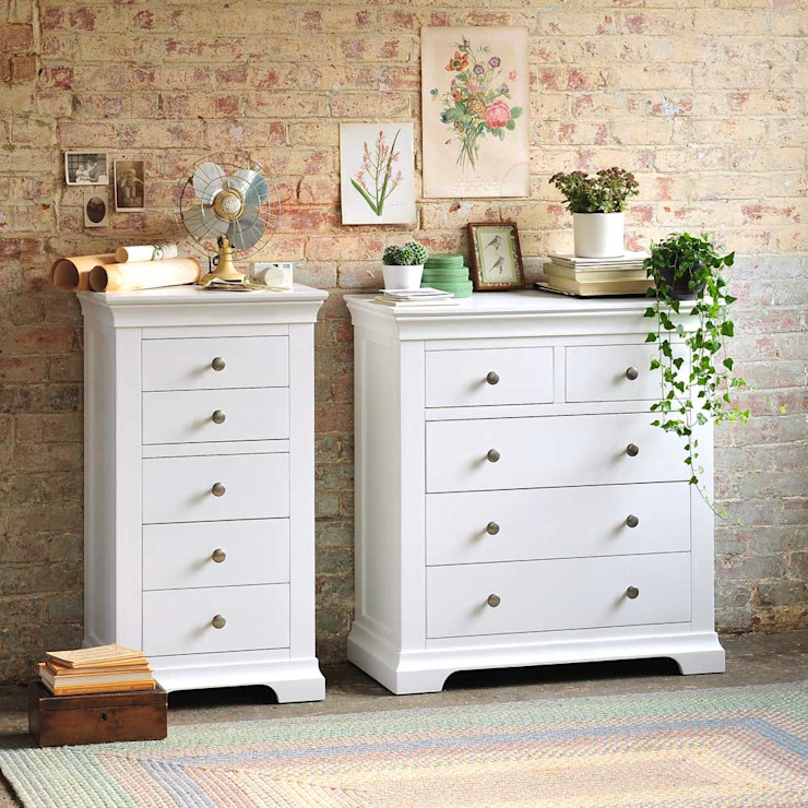 Chantilly White Bedroom Chests Country style bedroom by The Cotswold Company Country Wood Wood effect