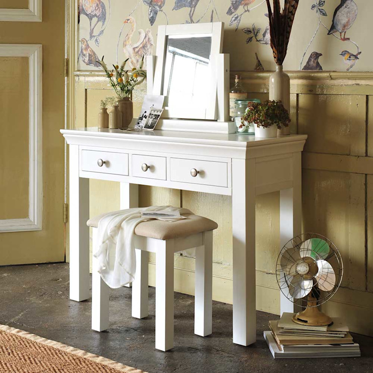 Chantilly White Dressing Set Country style bedroom by The Cotswold Company Country Wood Wood effect