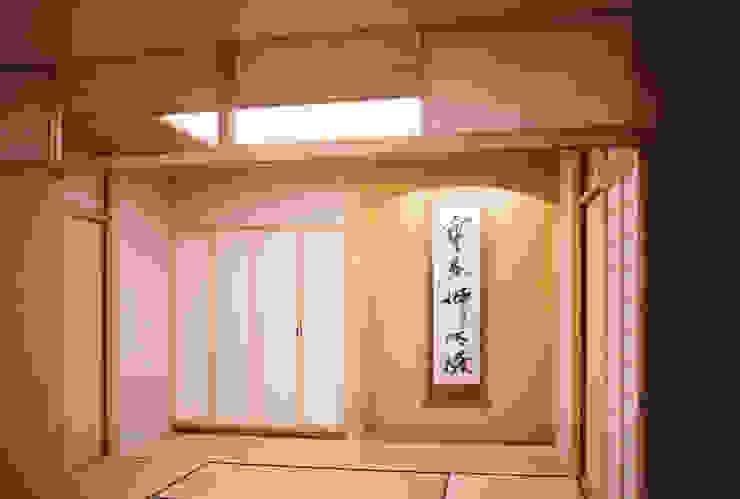 リビング (茶の間・客間) 和風デザインの リビング の 吉田設計+アトリエアジュール 和風