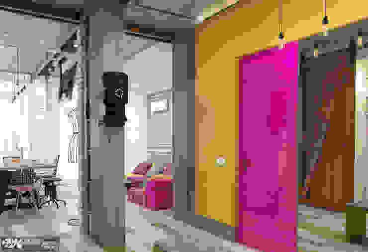 """""""Vintage"""" Коридор, прихожая и лестница в эклектичном стиле от Kornienko-Partners Эклектичный"""