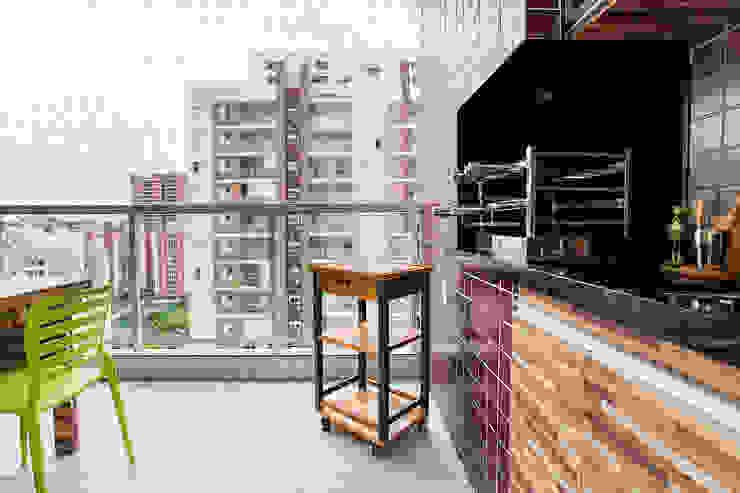 Amanda Pinheiro Design de interiores Modern balcony, veranda & terrace