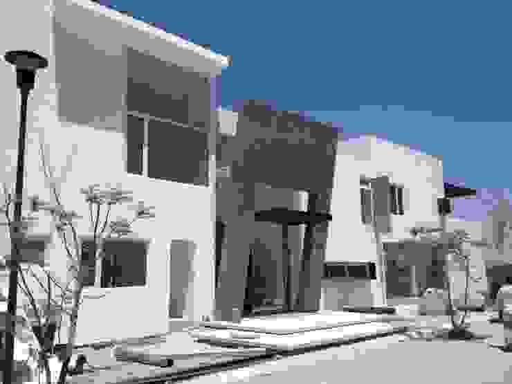 Fachada Casas modernas de SANTIAGO PARDO ARQUITECTO Moderno Piedra